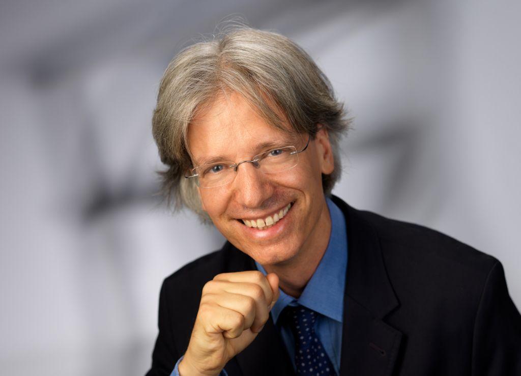 Prof. Dr. Sebastian Kummer